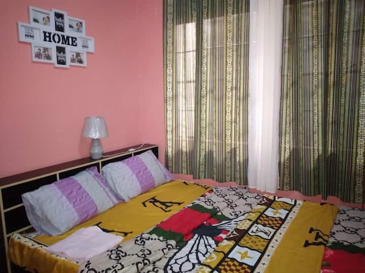 Jam EN Jill's Room B near Bayan w/ AC+Netflix+WiFi