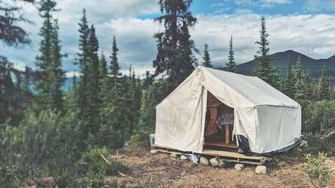 """""""Lynx Tent"""" Off Grid Glamping"""