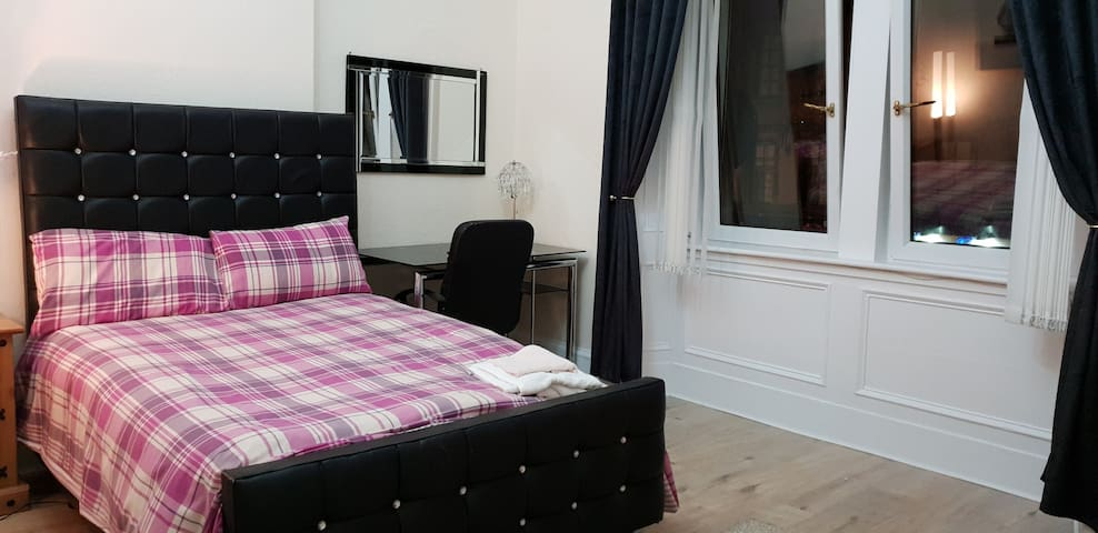 1182 Comfortable en suite double room 3 free WIFI