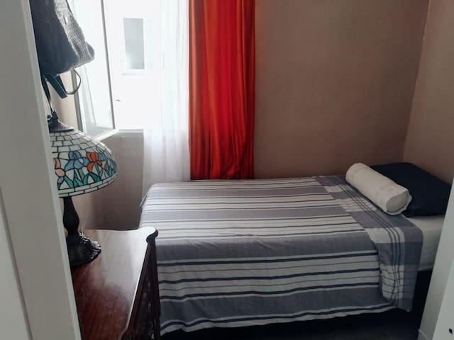 Cómoda habitación en zona céntrica de Madrid