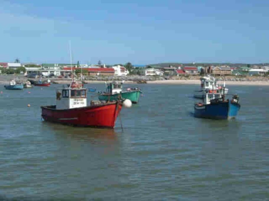 Struisbaai fishing boat harbour
