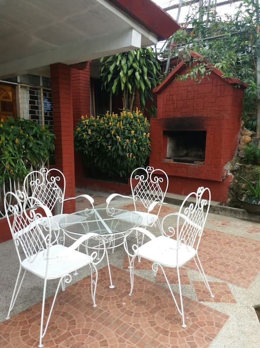 Fireplace/barbecue grill infront of the guest house n garden