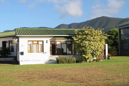 Snails' End Cottage - Sandbaai - House