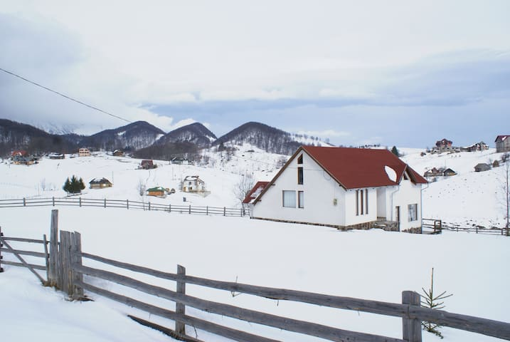 Perfect for exploring Transylvania - Ciocanu - Rumah