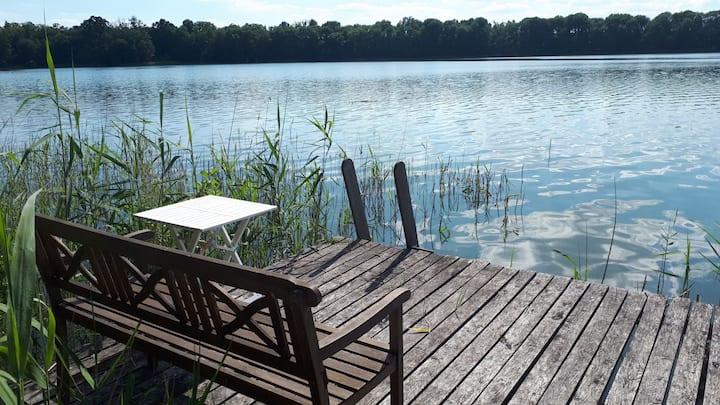Ruhige Wohnung direkt am See gelegen