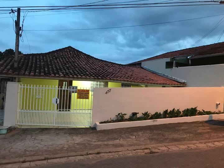 Alugo casa para temporadas em Cunha-Sp
