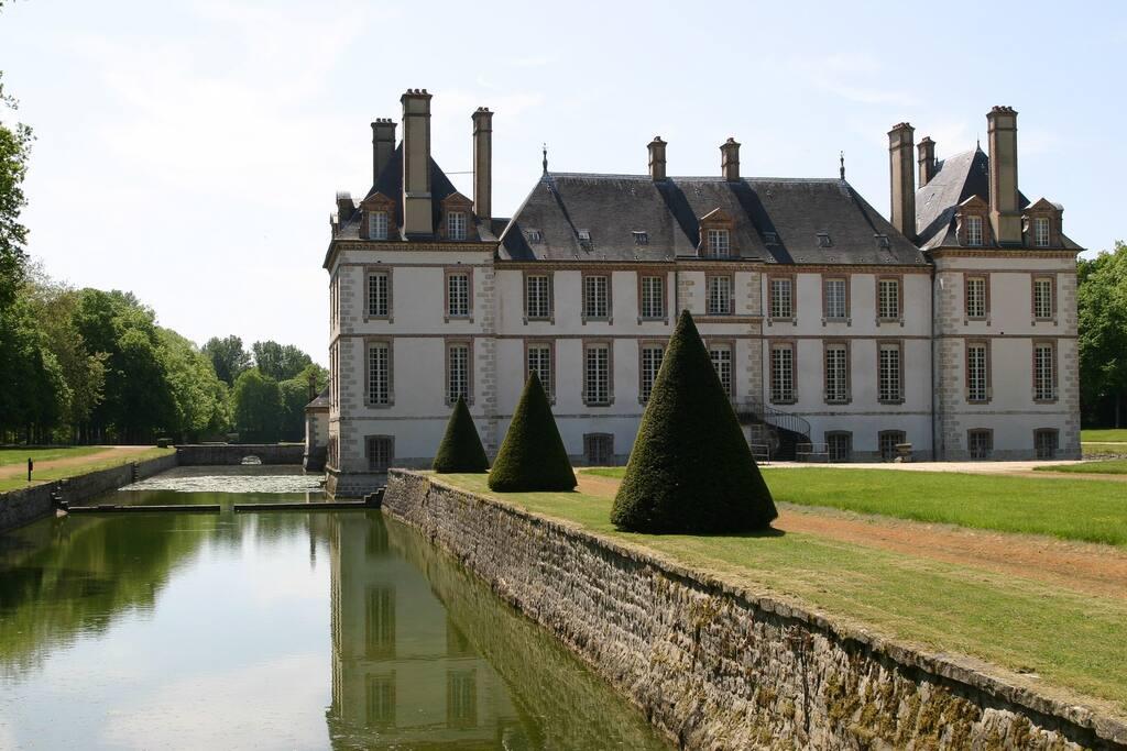 Le château de Bourron et son parc à seulement une heure de Paris