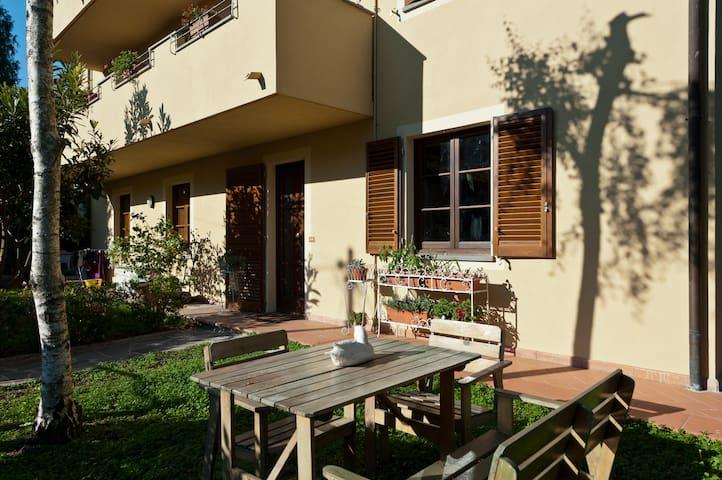 appartamento con giardino a Lucca - Lucca - Lejlighed