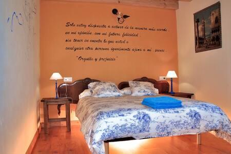 5 habitac Baño privado.WIFI