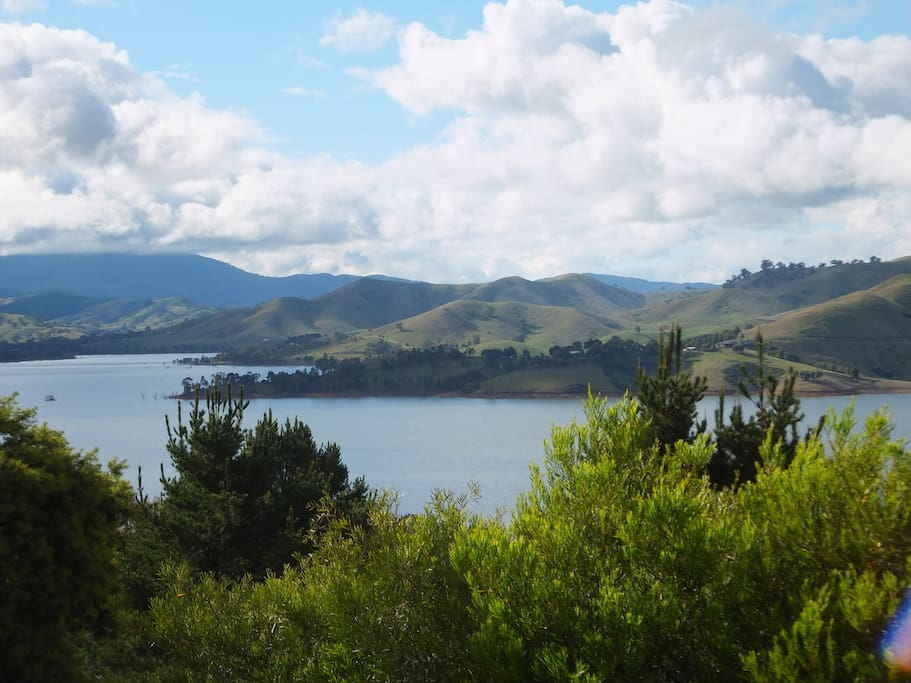 Stunning Lake and High Country views from the cottage