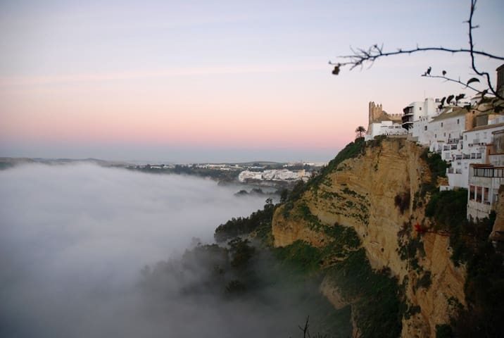 Enjoy Amazing Views from Unique Cliff-Edge House