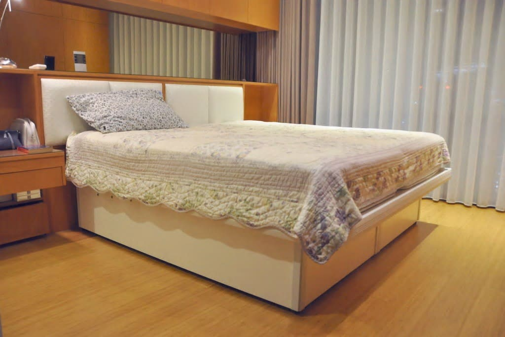 Master Bedroom (private)