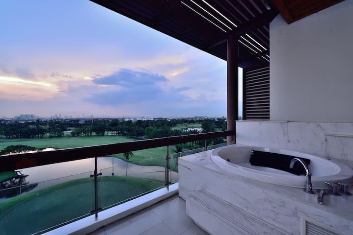 1BR Sky Suite @ Summit FREE BKK Airport Pickup - Bangkok - Apartemen