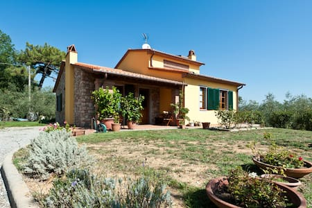 B&b The farm of Giustina - Montecarlo (LU) - Bed & Breakfast
