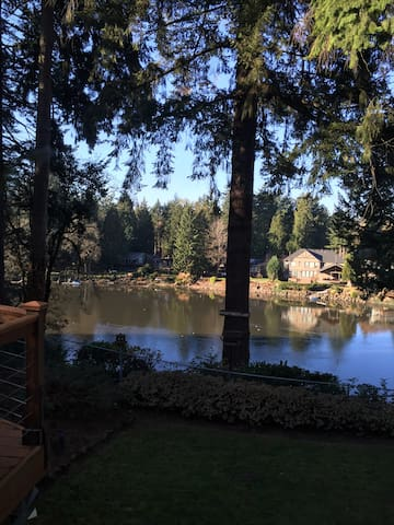 River Forest Lake Apartment - Milwaukie - Flat