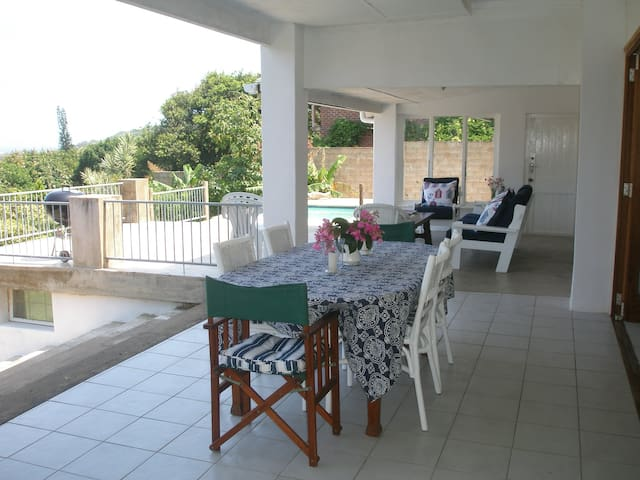 The Clansthal Beach House - Ezembeni - Rumah
