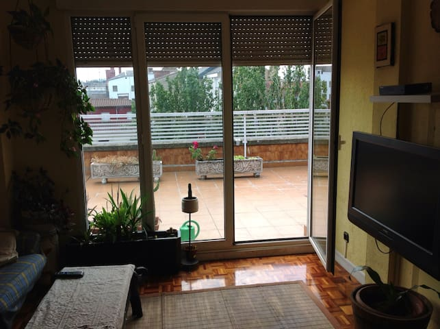 Atic in the centre,near bus station - Vitoria - Apartamento