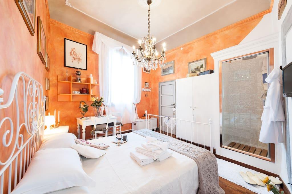 lovely orange room