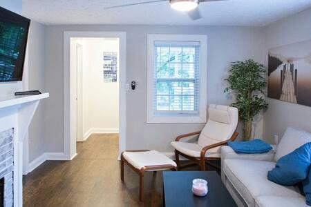 Modern Urban Newly home - Tucker - Huoneisto