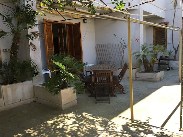 Villetta a Torre dell'Orso 100 m from the sand 3 bedrooms 2 bathrooms