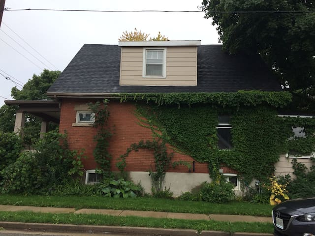Comfortable family home in wonderful Guelph