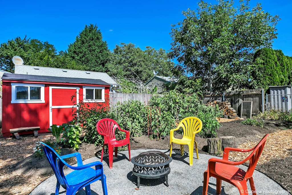 """""""...incredible garden and several seating areas to relax in."""""""