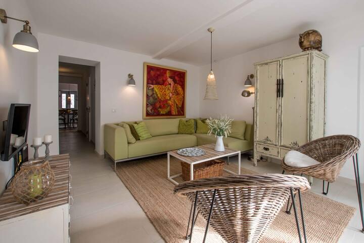 Cozy Casa,  zeer comfortabel, alles op loopafstand
