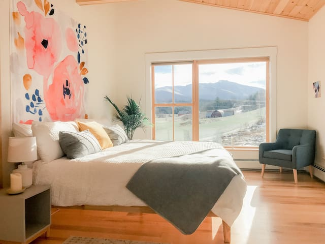 Modern farmhouse surrounded by breathtaking views!