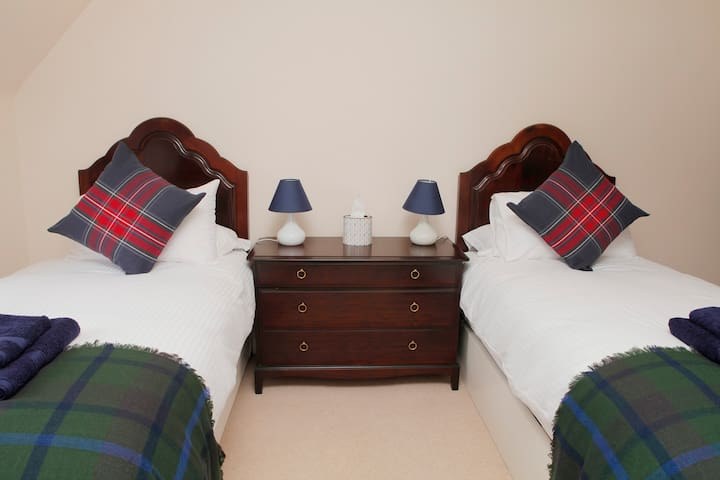 Twin bedded second bedroom