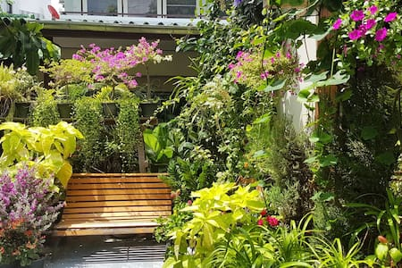 Houseplant room 10 mins to Don Mueang Airport(DMK)