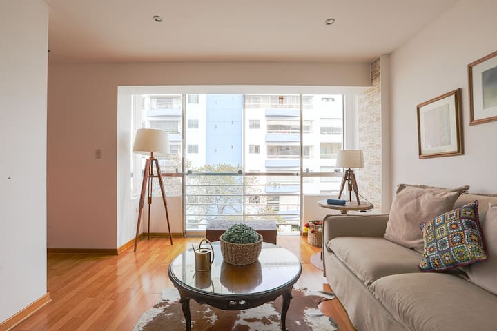 Exclusive and stylish flat - Miraflores' Malecón