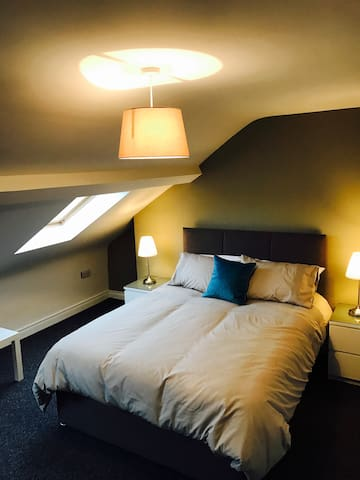 The Art Gallery Apartment - Holywood - Serviced apartment