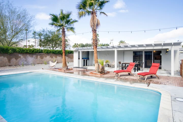 Bright Alexander with Pool - Palm Springs - Casa