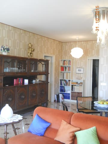 Bright apartment overlooking the se - Ospedaletti - Daire