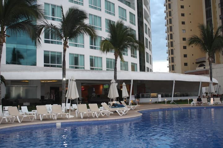 Hotel Park Royal Condominio 702 frente al mar
