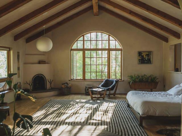 Many Feathers Ranch Retreat