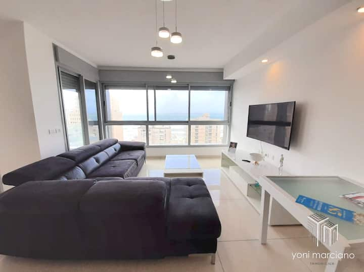 Luxury apartment in Netanya New building -Sea view