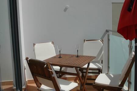 Apartamento com vista mar - Luz