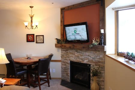 Keystone Condo w/ Pool -mins to Keystone & A-Basin - Dillon