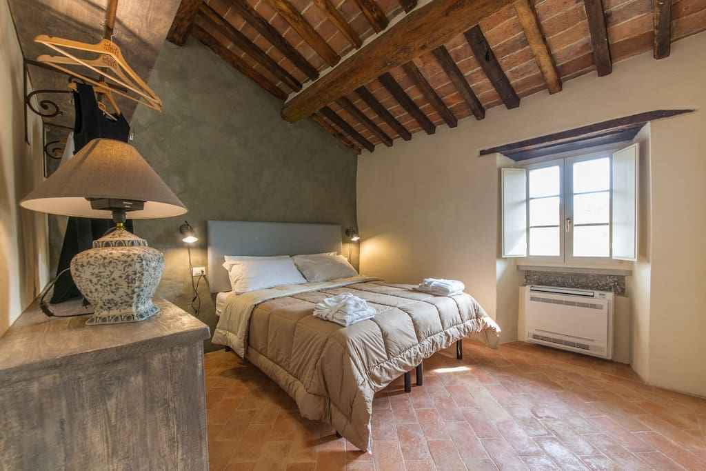 Comfortable Bedroom - Casa Zeni Cortona