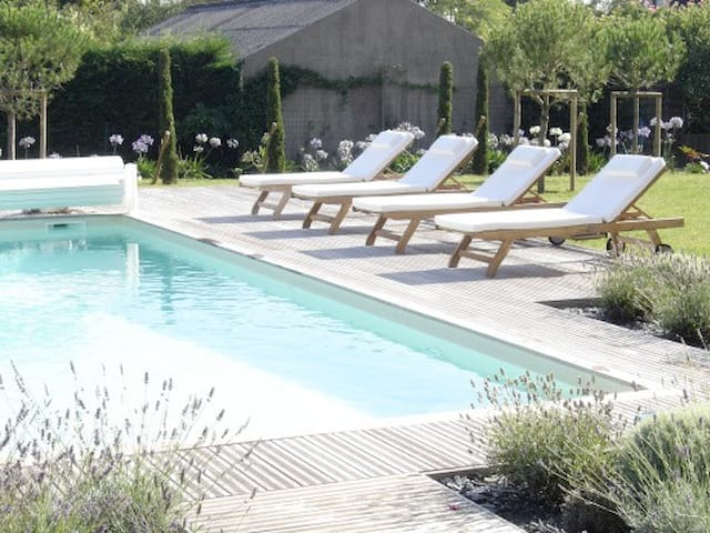 Beautiful house with swimming pool - Saint-Martin-du-Fouilloux - Casa