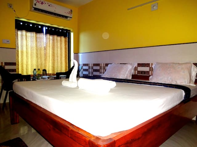 AC Super Deluxe Rooms for Couples