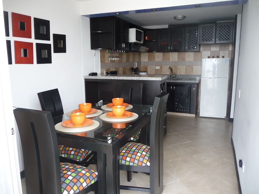 Beautiful 3 bedroom apartment with dining area overlooking balcony with scenic views!