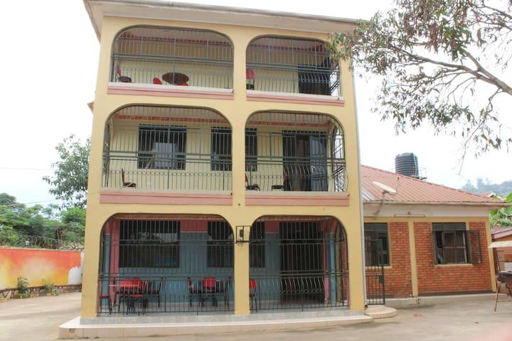 Bwindi Mgahinga House - Kampala