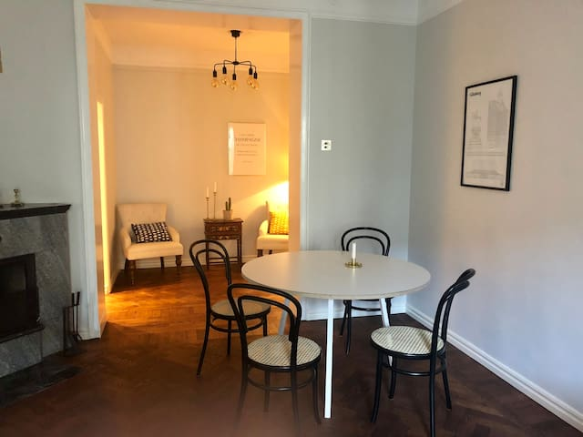 Cozy 2room apt in central town - close to events!