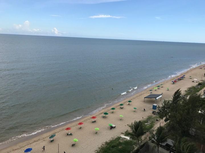 Quarto de solteiro à beira mar, em Candeias