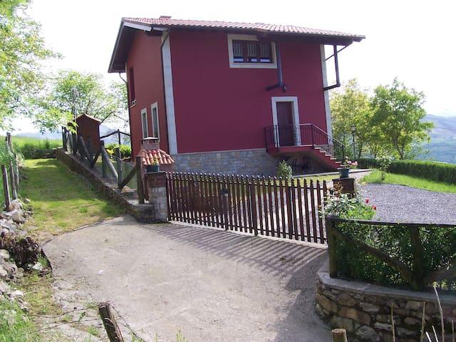 Casa  en  pueblo  de Cangas de Onis - Perlleces - House