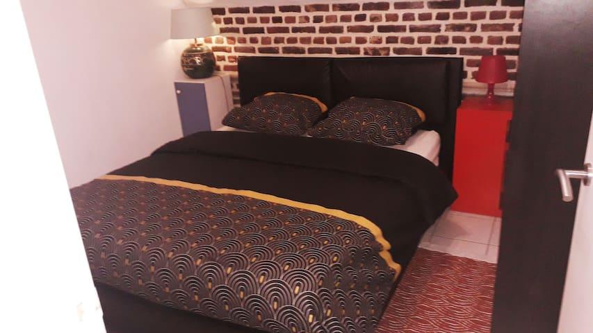 app 145/ 1 bedroom app max 4 guests