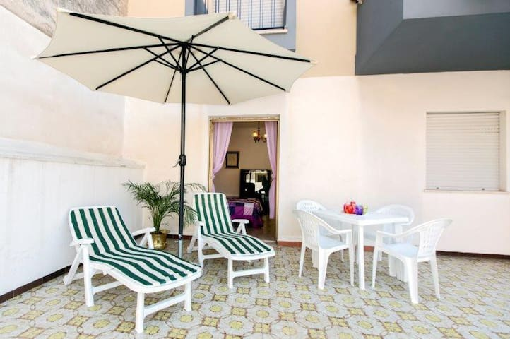 A terrace in the sun at Trapani - 特拉帕尼 - 公寓