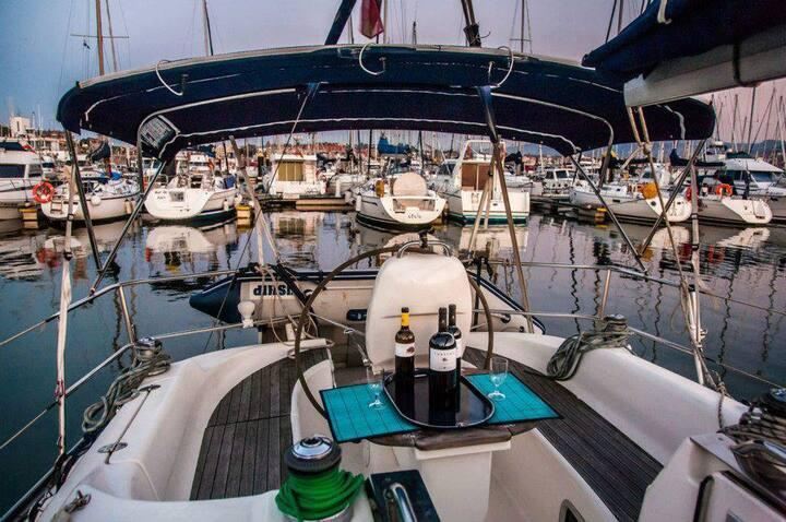 Sailing from Menorca